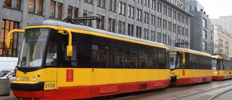 Usunięta została ostatnia przeszkoda dotycząca podpisania umowy na dostawę przez koreańską firmę Hyundai ponad 200 tramwajów dla Warszawy. Jak poinformowały Tramwaje Warszawskie, właśnie zakończyła się kontrola uprzednia prezesa Urzędu Zamówień Publicznych i nie wykazała żadnych uchybień w przetargu.