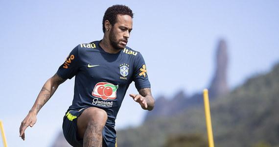 Brazylijski piłkarz Neymar został oskarżony o gwałt - poinformowały media, powołując się na raport sporządzony przez policję w Sao Paolo. Do zdarzenia miało dojść 15 maja w Paryżu. Ofiara, obywatelka Brazylii, złożyła zeznania dopiero po powrocie do kraju.