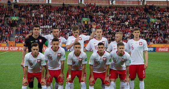 W pierwszym meczu 1/8 finału piłkarskich mistrzostw świata do lat 20 Polska zmierzy się w niedzielę o 17.30 na Stadionie Miejskim w Gdyni z Włochami. Biało-czerwoni zagrają w tym spotkaniu w najsilniejszym składzie.