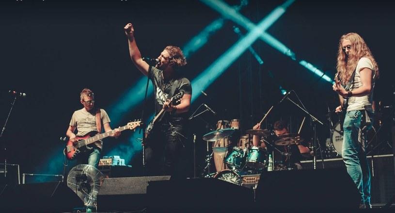 """Rockowa grupa Erannie prezentuje teledysk """"Obraz życia"""", którym zapowiada nowe wydawnictwo."""