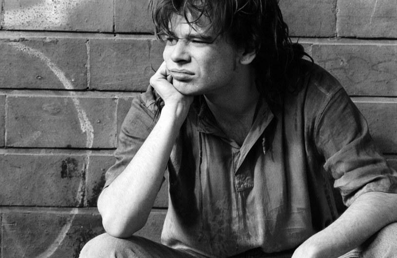 Lokomotywa rodzimego undergroundu - tak Roberta Brylewskiego opisał dziennikarz Rafał Księżyk. 3 czerwca przypada pierwsza rocznica śmierci muzyka.
