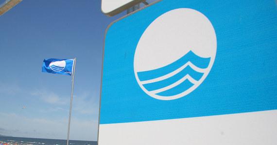Bez prestiżowej Błękitnej Flagi muszą obyć się w tym roku plaże w Kołobrzegu. To wyróżnienie przyznawane jest kąpieliskom w 45 krajach na świecie i oznacza, że czysta jest tam nie tylko woda, ale doskonale przygotowane na przyjęcie turystów są też same plaże. Kołobrzeg odznaczenie stracił przez względy proceduralne.