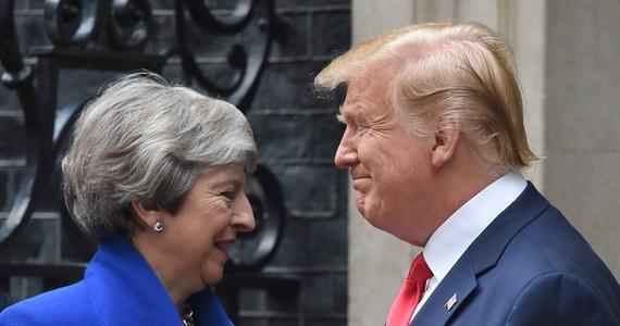 Amerykański prezydent Donald Trump odszedł od protokołu dyplomatycznego dotyczącego wizyt państwowych w Wielkiej Brytanii, odbywając szereg spotkań i konsultacji z politykami, m.in. w kontekście wyboru następcy premier Theresy May i negocjacji ws. brexitu.