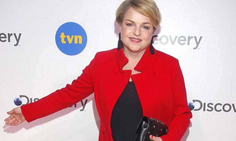 """TVN zerwał umowę z dziennikarką Katarzyną Bosacką, autorką takich popularnych programów, jak """"Co nas truje"""", """"Wiem, co jem i wiem, co kupuję"""" oraz """"Gwiazdy od kuchni"""". Jakie są powody tej decyzji?"""