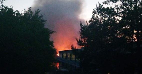 Nad ranem - strażakom - udało się opanować pożar wysypiska śmieci w Studziankach niedaleko Białegostoku w Podlaskiem. Zapaliła się tam hałda śmieci. Najprawdopodobniej cała hałda zostanie zasypana żwirem, podobnie jak miało to miejsce przy poprzednich jej pożarach.