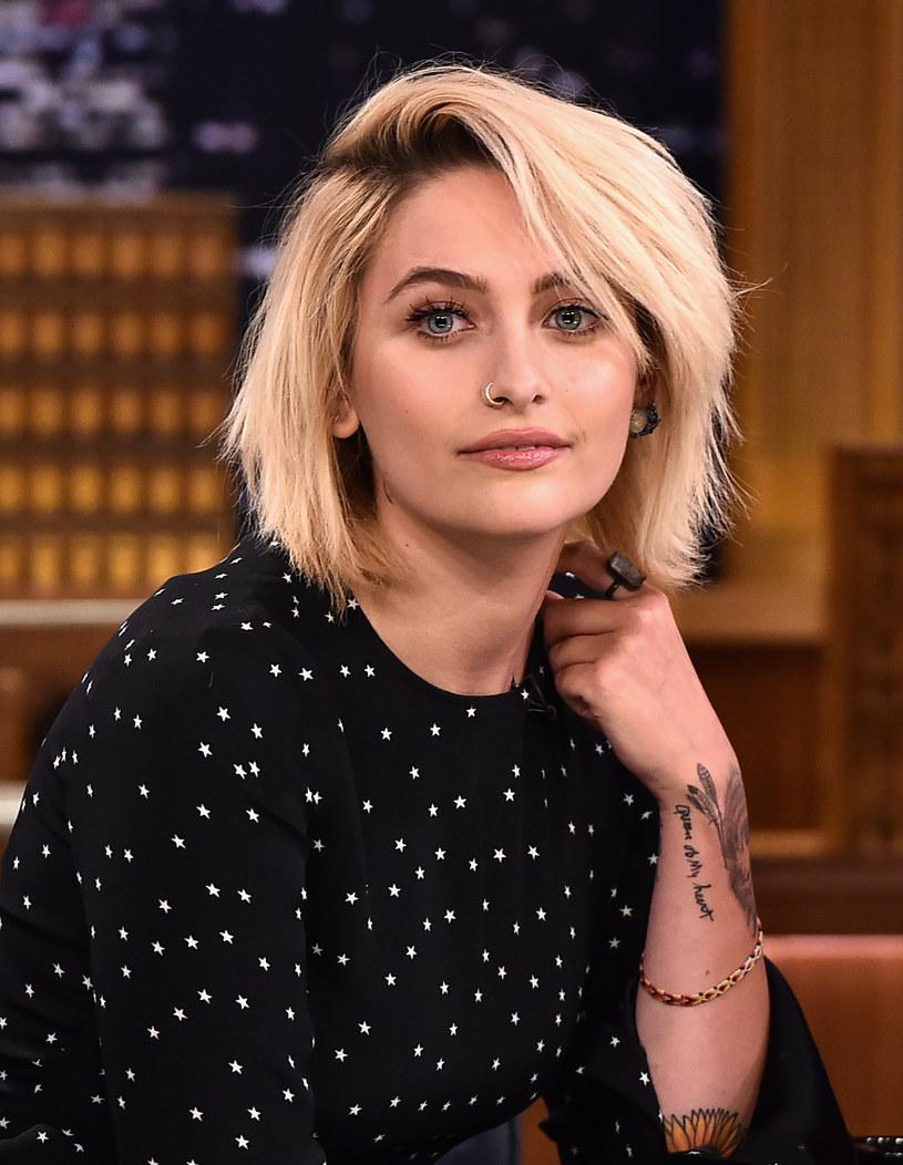Niewinny wpis na Twitterze Paris Jackson rozpętał się w prawdziwą burzę wokół córki gwiazdora. Wszystko przez wyznanie, że modelka i aktorka popala marihuanę.