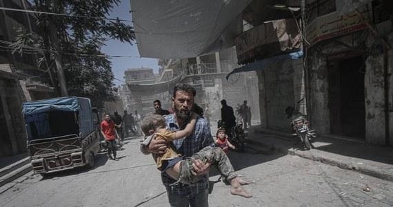 Nasilają się walki  w syryjskiej prowincji Idlib - strefie, która powinna być zdemilitaryzowana. Zgodnie z doniesieniami agencji AFP w starciach pomiędzy wojskami prezydenta Baszara el-Asada a dżihadystami i islamskimi rebeliantami, tylko w ciągu ostatnich dwóch dni zginęły co najmniej 83 osoby.