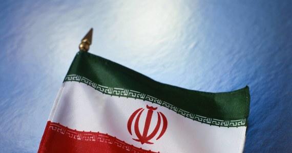 Teheran odrzucił w piątek wysuniętą przez prezydenta Francji Emmanuela Macrona ideę przeprowadzenia nowych negocjacji w sprawie irańskiego programu atomowego, stwierdzając, że rozszerzenie porozumienia podpisanego w 2015 r. oznaczałoby jego niepowodzenie.