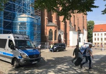 Atak nożownika na księdza przed kościołem we Wrocławiu