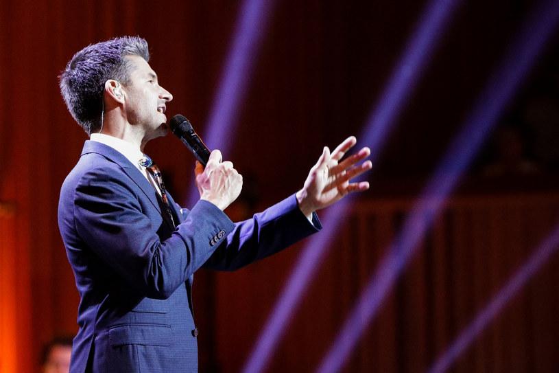"""Standardem """"My Way"""" kanadyjski wokalista Matt Dusk zakończył galowy koncert """"Chwytaj dzień"""" podczas Wodecki Twist Festiwal."""