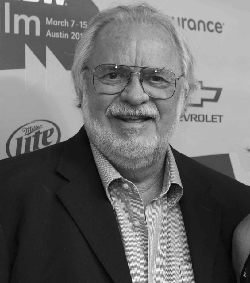 """W niedzielę 9 czerwca 2019 roku zmarł William D. Wittliff, scenarzysta takich filmów jak """"Wichry namiętności"""" i """"Gniew oceanu"""". Miał 79 lat."""