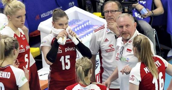 Polskie siatkarki przegrały w chińskim Jiangmen z USA 1:3 (25:21, 23:25, 15:25, 11:25) w kolejnym meczu Ligi Narodów. To czwarta porażka drużyny trenera Jacka Nawrockiego, która w czwartek - na zakończenie czwartego turnieju - zmierzy się z Turcją.