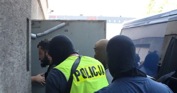 Po środowym przesłuchaniu w śląskim wydziale Prokuratury Krajowej Mamed Ch. były zawodnik MMA usłyszał zarzuty związane m.in. z paserstwem luksusowych samochodów.