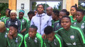 Caster Semenya wspiera kobiecą kadrę piłkarek RPA. Wideo