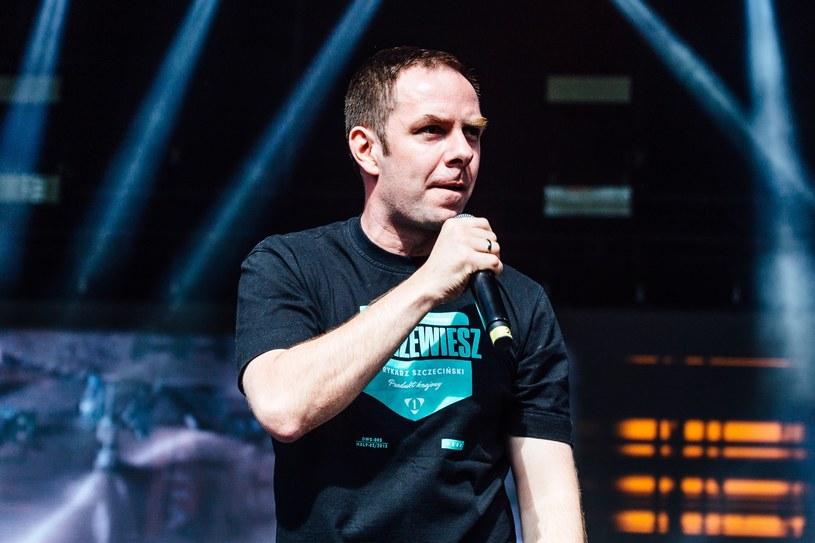 """Łona i Webber przedstawiają drugi singel """"#nikiforszczecinski"""" - hołd dla street artu w każdej jego postaci."""