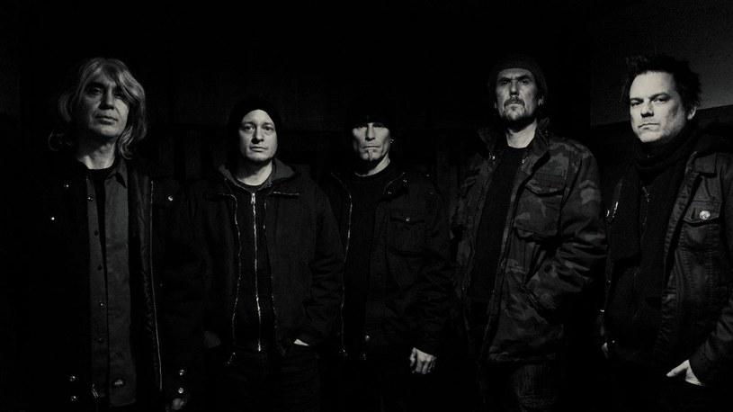 Międzynarodowa formacja Tau Cross wypuści na początku sierpnia trzeci album.