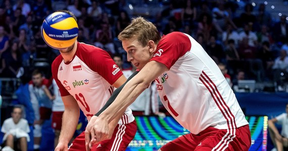 Polscy siatkarze przegrali z triumfatorami poprzedniej edycji Rosjanami 1:3 (26:24, 20:25, 22:25, 19:25) w pierwszym meczu turnieju Ligi Narodów w irańskiej Urmii. Biało-czerwoni mają na koncie cztery zwycięstwa i trzy porażki.