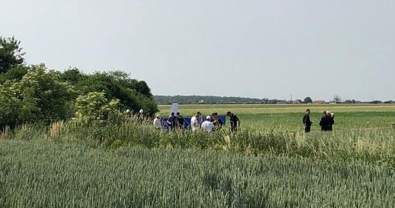 Tragedia podczas zawodów szybowcowych pod Ostrowem Wielkopolskim. Nie żyje pilot szybowca, który rozbił się w miejscowości Szczury.