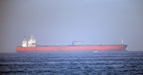 23 członków załogi poważnie uszkodzonego wybuchem w Zatoce Omańskiej norweskiego tankowca Front Altair przybyło w sobotę do Zjednoczonych Emiratów Arabskich - poinformował w Oslo armator jednostki, norweska spółka Frontline z siedzibą na Bermudach.