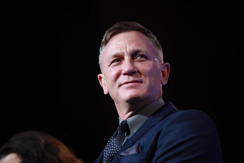 W maju Daniel Craig musiał przerwać zdjęcia do nowego filmu o przygodach agenta 007 z powodu kontuzji odniesionej na planie. Aktor musiał poddać się niewielkiemu zabiegowi. Po kilku tygodniach odpoczynku Craig jest gotowy, by wrócić do realizacji filmu.