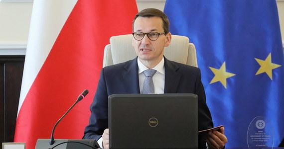 Chcemy jak najszybciej procedować projekt ustawy w sprawie 500 zł dla niepełnosprawnych - powiedział premier Mateusz Morawiecki. Szef polskiego rządu zapowiedział, że wypłaty początkowo trafią do ok. pół miliona osób.