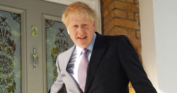 Były minister spraw zagranicznych u burmistrz Londynu Boris Johnson zdecydowanie wygrał drugą turę głosowania w procesie wyboru nowego lidera Partii Konserwatywnej i premiera Wielkiej Brytanii.