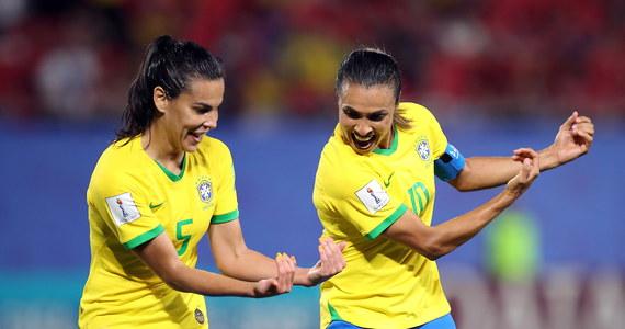 """Piłkarki Brazylii i Australii dołączyły do Włoszek i również zapewniły sobie awans z grupy C do 1/8 finału mistrzostw świata we Francji. Ekipa """"Canarinhos"""" pokonała we wtorek Italię 1:0 po golu Marty, która z dorobkiem 17 trafień na mundialach pobiła rekord wszech czasów."""