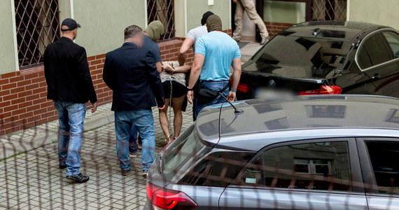 We wtorek komisja penitencjarna zdecydowała, by 22-latkowi podejrzanemu o zabójstwo 10-letniej Kristiny z Mrowin nadać status więźnia niebezpiecznego - poinformowała rzecznik prasowa Dyrektora Generalnego Służby Więziennej ppłk Elżbieta Krakowska. Mężczyzna jest pod szczególnym nadzorem.