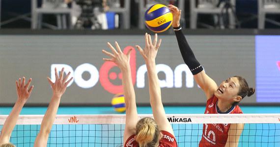 Polskie siatkarki przegrały w południowokoreańskim Boryeong z reprezentacją gospodarzy 1:3 (8:25, 25:22, 20:25, 16:25) w ostatnim meczu rundy zasadniczej Ligi Narodów. Drużyna Jacka Nawrockiego już wcześniej miała zapewniony udział w turnieju finałowym.