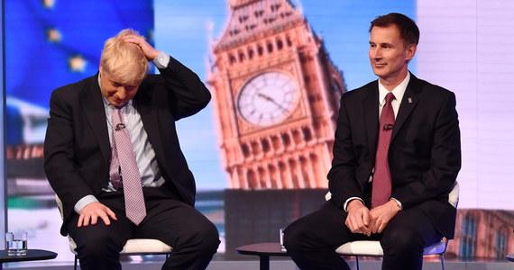 Były minister spraw zagranicznych Boris Johnson i obecny szef dyplomacji Jeremy Hunt powalczą o głosy ok. 160 tys. członków Partii Konserwatywnej w wyborach następcy ustępującej premier Theresy May. Zwycięzca obejmie stery ugrupowania i stanie na czele rządu.
