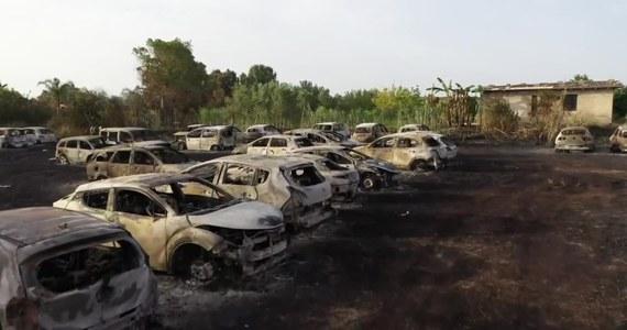 Strażacy walczą z pożarami lasów na Sycylii. Ogień rozprzestrzenił się w pobliżu wulkanu Etna oraz miejscowości Noto. W tej okolicy zniszczenia są najbardziej dotkliwe. Spłonęły tam dziesiątki samochodów należących do turystów przebywających w nadmorskim kurorcie.