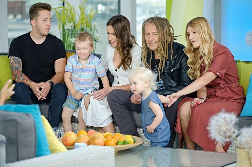 """Gościem """"Dzień dobry TVN"""" był Darek Malejonek i jego najbliżsi - dzieci i wnuki. Potomkowie muzyka zaczynali karierę w dziecięcej Arce Noego, a czy kontynuują swoją muzyczną przygodę?"""