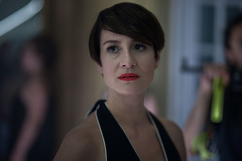 """""""Jest aktorką w trudnym momencie swojej kariery i trudnym, jeśli chodzi o życie osobiste. To osoba bardzo wrażliwa, sensualna, trochę pogubiona"""" - mówi Maja Ostaszewska o swojej bohaterce w """"Ja teraz kłamię"""", nowym filmie Pawła Borowskiego."""