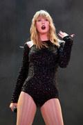 Taylor Swift i inne gwiazdy połączyły siły, by wesprzeć umierającą fankę
