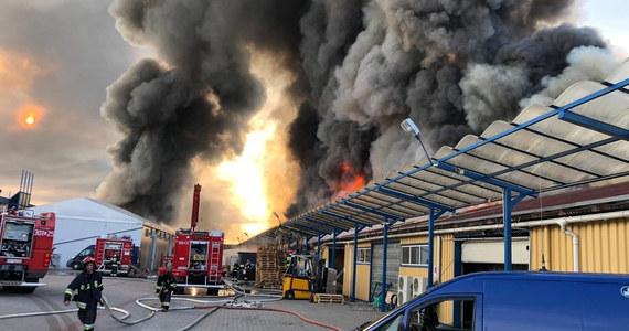 Duży pożar hali w Gdańsku-Orunii. Informację z Gorącej Linii RMF FM potwierdziła nam straż pożarna.