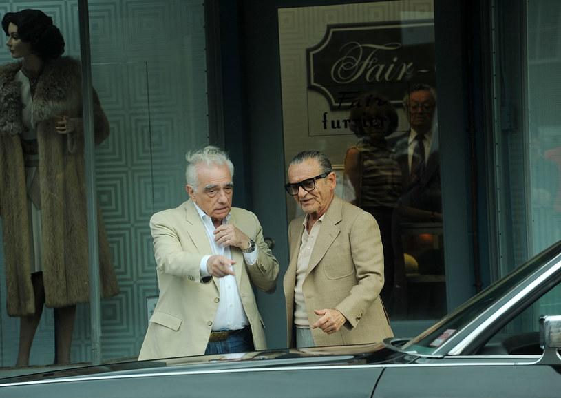 """""""The Irishman"""", najnowszy film Martina Scorsese, jest jedną z najbardziej wyczekiwanych premier 2019 roku. Kilka miesięcy temu wielu spekulowało, czy pojawi się on w konkursie głównym festiwalu w Cannes. Większość komentatorów stawiało jednak na jego światową premierę w Wenecji. Okazuje się, że i oni byli optymistami. Film nie zadebiutuje podczas jesiennych festiwali. Jakie są przyczyny przedłużającej się postprodukcji?"""