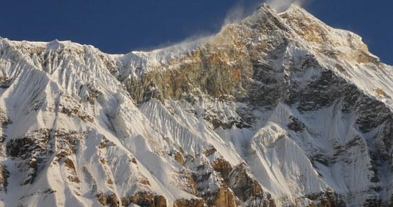 Polska wyprawa zdobyła szczyt Nanda Devi East (7434 m n. p. m.) w Himalajach. Na szczycie stanęło dwóch wspinaczy – Jarosław Gawrysiak i Wojciech Flaczyński.
