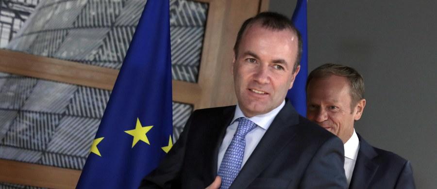 """Manfred Weber nie zostanie przewodniczącym Komisji Europejskiej - ustalili w kuluarach szczytu G20 obecni w Osace liderzy krajów UE. Dziennik """"Die Welt"""" pisze, że niemiecka kanclerz Angela Merkel już zaakceptowała tę decyzję."""