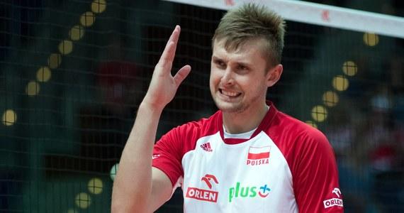 Polscy siatkarze pokonali w Lipsku Portugalię 3:0 (25:18, 25:21, 25:20) w ostatnim meczu fazy interkontynentalnej Ligi Narodów. Biało-czerwoni, którzy odnieśli 11 zwycięstw i doznali czterech porażek, już wcześniej byli pewni awansu do turnieju finałowego w Chicago.