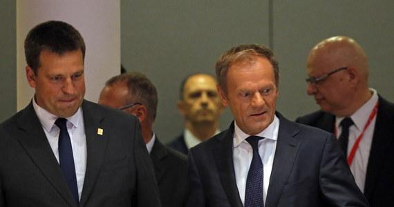 Szczyt UE w Brukseli został przerwany przez szefa Rady Europejskiej Donalda Tuska na spotkania dwustronne z przywódcami. Ma zostać wznowiony po ich zakończeniu.