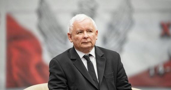 Prezes Prawa i Sprawiedliwości - w reakcji na materiały reportera RMF FM - wydał swoim parlamentarzystom zakaz udziału w spotkaniach lobbystycznych. Nasz dziennikarz ujawnił, że ważni politycy partii rządzącej nieoficjalnie spotkali się z przedstawicielami tytoniowego giganta Philip Morris Polska.