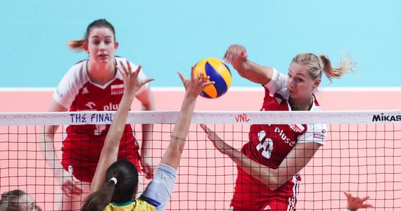 Polskie siatkarki przegrały z Brazylijkami 2:3 (25:22, 21:25, 25:22, 19:25, 10:15) w drugim meczu grupowym turnieju finałowego Ligi Narodów w chińskim Nankinie i odpadły z rywalizacji. Dzień wcześniej biało-czerwone uległy Amerykankom 1:3.