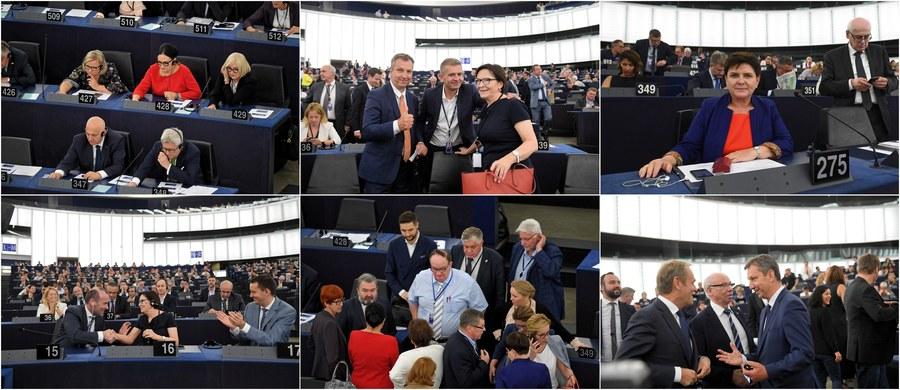 Osłabła - i to znacząco - pozycja Polski w Parlamencie Europejskim. W poprzedniej kadencji europarlamentu polscy eurodeputowani kierowali czterema komisjami PE, w obecnym rozdaniu na czele komisji stanie tylko jedna Polka: była premier Beata Szydło. A szefostwo komisji to prawdziwa władza.