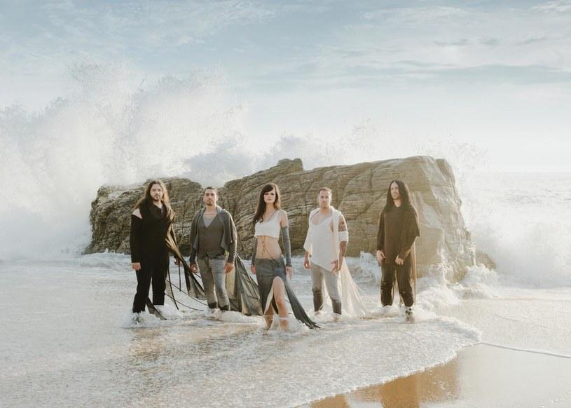 Symfometalowa grupa Visions Of Atlantis z Austrii zarejestrowała siódmy album.