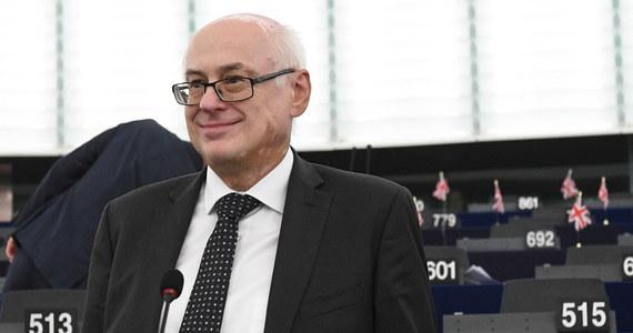 """Frakcja socjalistów poinformowała w przesłanym PAP oświadczeniu, że nie obiecywała poparcia jakiemukolwiek kandydatowi PiS/EKR do prezydium Parlamentu Europejskiego. """"Nie było żadnego uzgodnienia w tej sprawie z EKR"""" - poinformowała rzeczniczka grupy."""