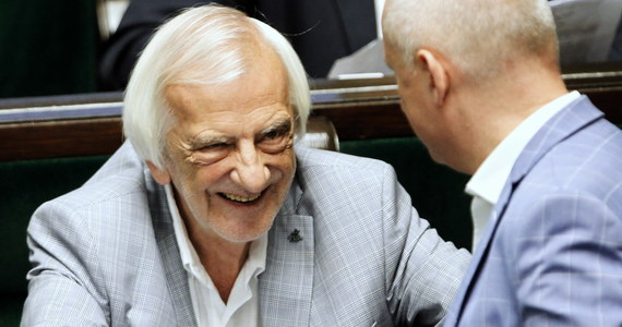 W Sejmie nie są prowadzone żadne prace nad przepisami dotyczącymi wyrobów tytoniowych. Opisywane w mediach spotkanie dotyczyło szkodliwości nowych produktów tytoniowych - napisał w oświadczeniu przesłanym PAP szef klubu PiS Ryszard Terlecki.