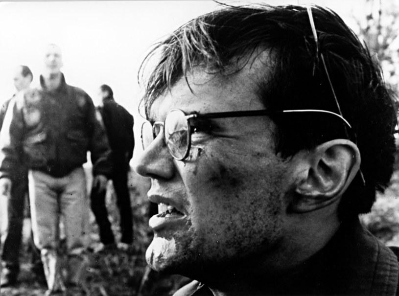 """W marcu 2019 roku reżyser Władysław Pasikowski zdradził, że jego kolejnym filmem po """"Kurierze"""" będzie trzecia część """"Psów"""". Zdjęcia do długo wyczekiwanej kontynuacji właśnie się rozpoczęły, o czym poinformował Cezary Pazura."""