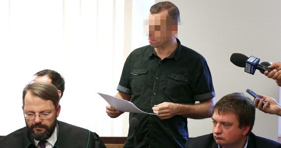 Przewodniczący stowarzyszenia Duma i Nowoczesność przyznał w gliwickim sądzie, że był pomysłodawcą i organizatorem sfilmowanych ukrytą kamerą przez TVN obchodów urodzin Hitlera w maju 2017 roku. Podkreślił jednak, że zorganizował to wydarzenie prywatnie - bez związku ze stowarzyszeniem.