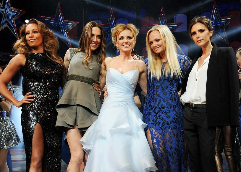 Reaktywacja grupy Spice Girls była jedną z tych informacji, która zelektryzowała fanów na całym świecie. Zespół końcem maja rozpoczął trasę, obejmującą 12 koncertów w Wielkiej Brytanii. Jednak na scenie zabrakło jednej z członkiń - Victorii Beckham. Gwiazda zdradziła ostatnio, dlaczego nie zdecydowała się przyłączyć do koleżanek i raz jeszcze zaśpiewać.
