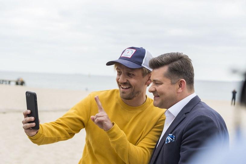 """Na fali popularności przeboju """"Weź nie pytaj"""" śpiewający aktor Paweł Domagała zapowiedział premierę swojej trzeciej płyty."""